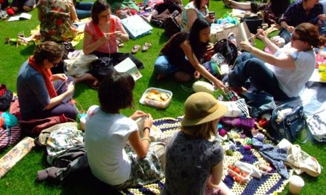 Cardiff-knitting-001