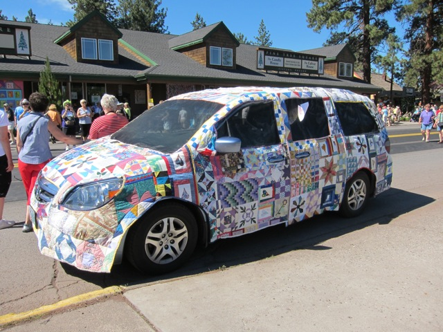 sisters-quilt-car