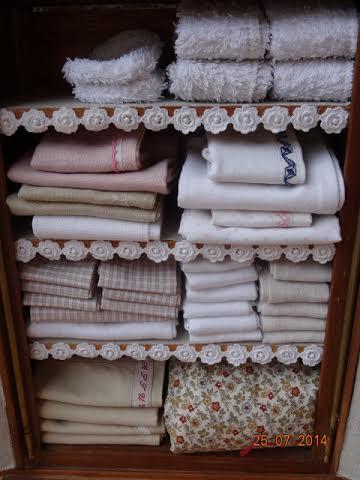 armoire pleine