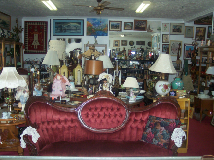 wpid-marineandrew-tom-red-sofa-miss-rubys-040-jpgCollection Betty Ford-Smith