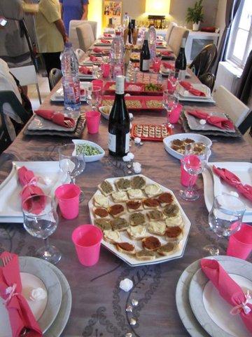 Table rose et grise