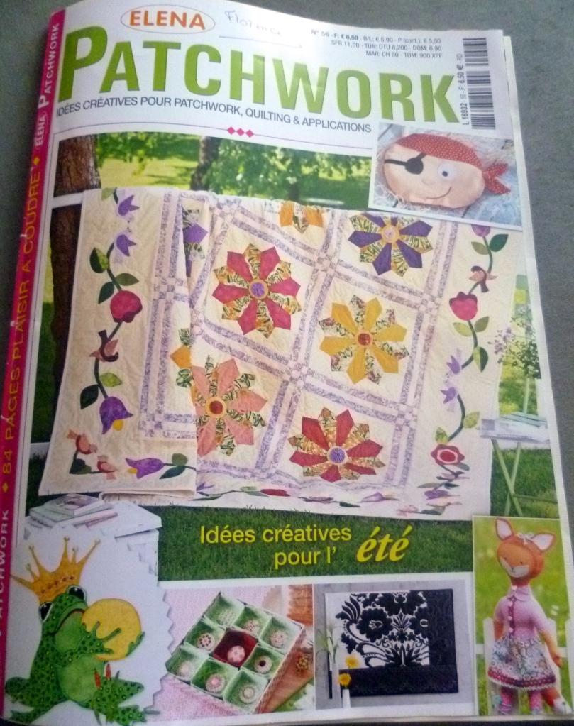 Couverture du magazine comprenant le modèle.
