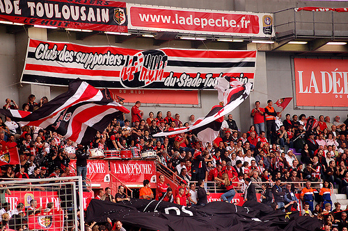Bath_Rugby_v_Stade_toulousain_Supporters_of_Stade_toulousain_Heineken_Cup