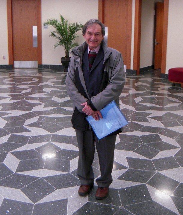RogerPenroseTileTAMU2010