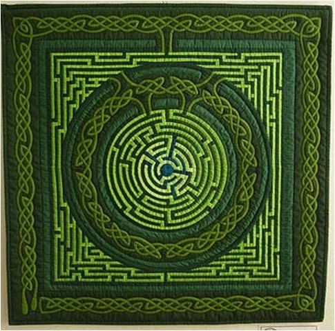 Maze quilt by Gyongyi Varadi seen at Hungarian Patchwork