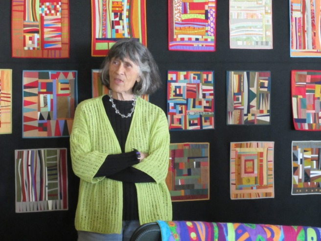 http://quiltedundertheinfluence.blogspot.fr/2011/10/small-studies-with-gwen-marston.html