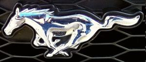 420px-Ford_Mustang_2005_logo